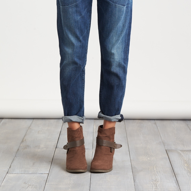 2015_08_26_Stylist-Tip-How-To-Wear-Boots-With-Jeans-090715_0077_v2